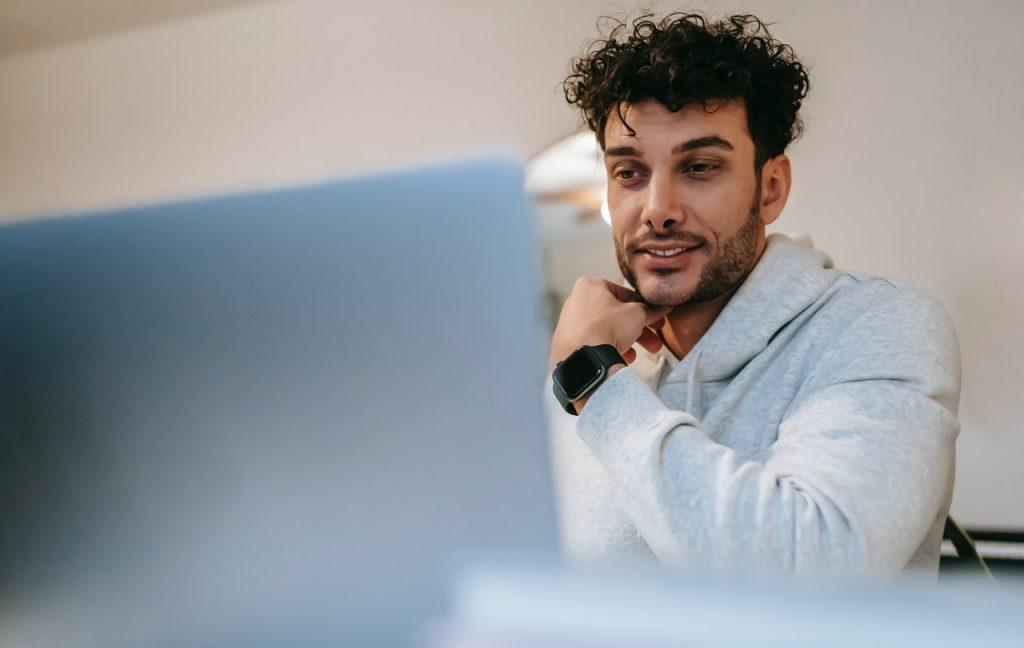 Men look his computer